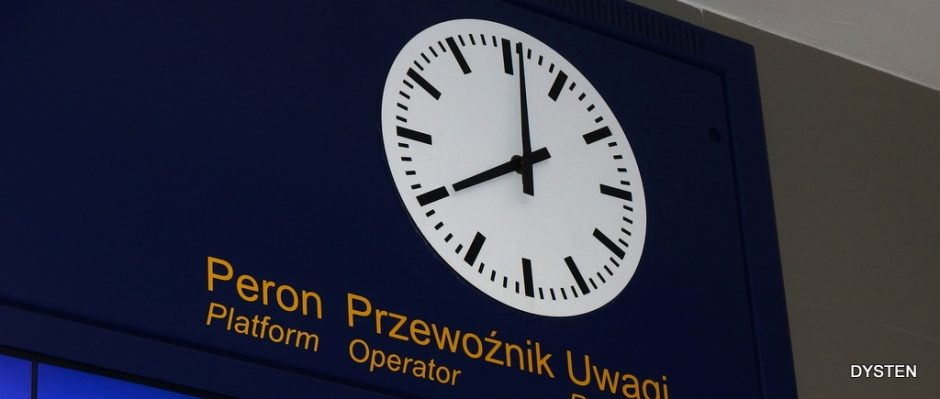 station clock analog clock for railways