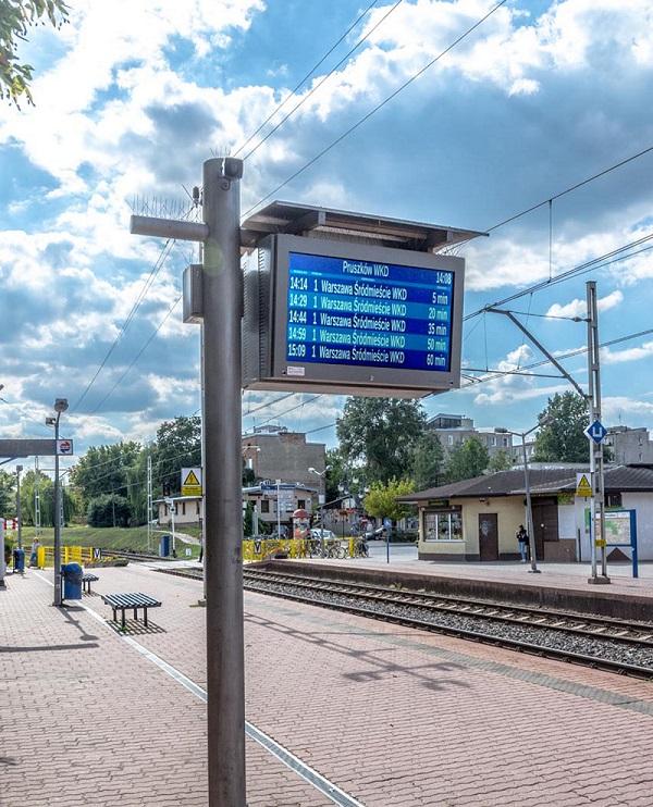 platform displays LCD TFT wyświetlacz peronowy lcd tft