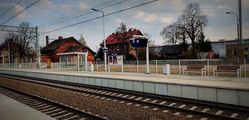 Stacja Poznan Wola na linii E59 perony